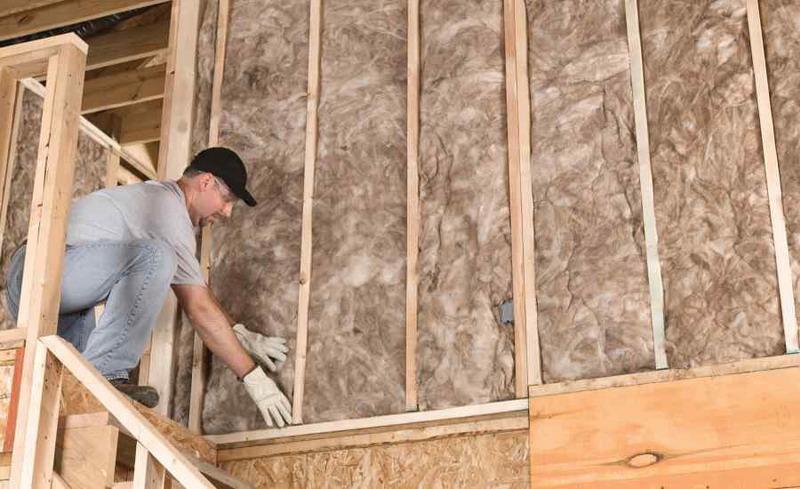 Как утеплить дачный дом из дерева